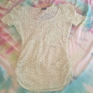 Sea foam floral lace tee shirt size large